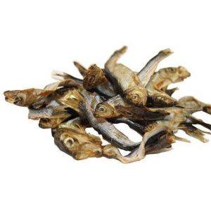 Tørrede sprotter, godbid af små hele fisk